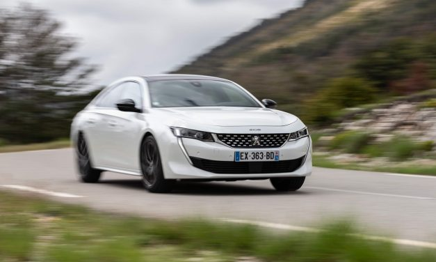 Peugeot are în plan un 508 de 300 CP